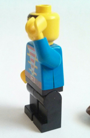 How to repair cracked minifig torsos
